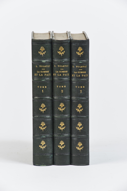 Tolstoï. La rarissime édition originale, le chef-d'œuvre de Tolstoï, imprimée en français en Russie à Saint-Pétersbourg